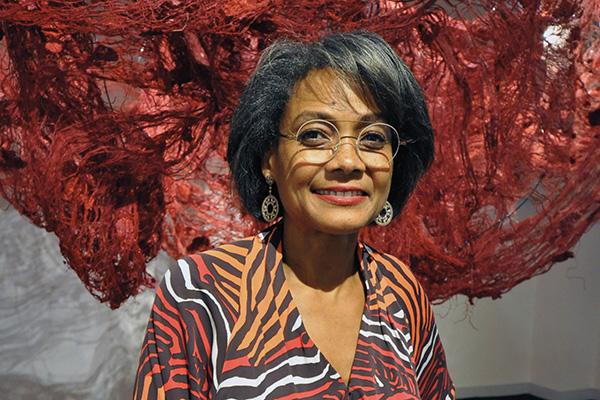 Eye Opener: Art gallery owner Karen Jenkins-Johnson '82 wants the world to see a broader palette.
