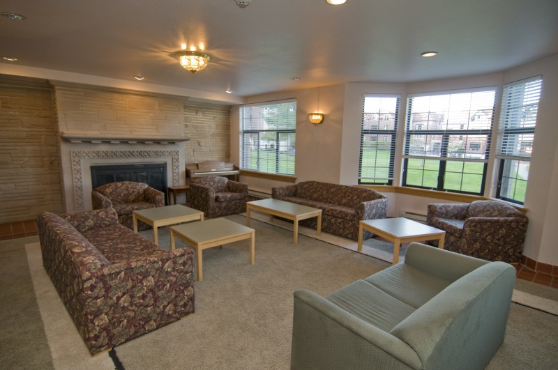 Smith lounge