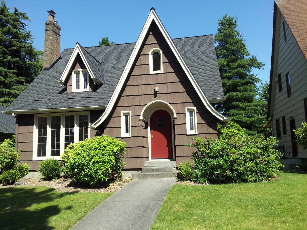 House Detailed Information: 7-Person Houses · University